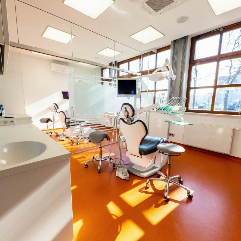 Zahnarzt Dr. Ranak 2454 Trautmannsdorf