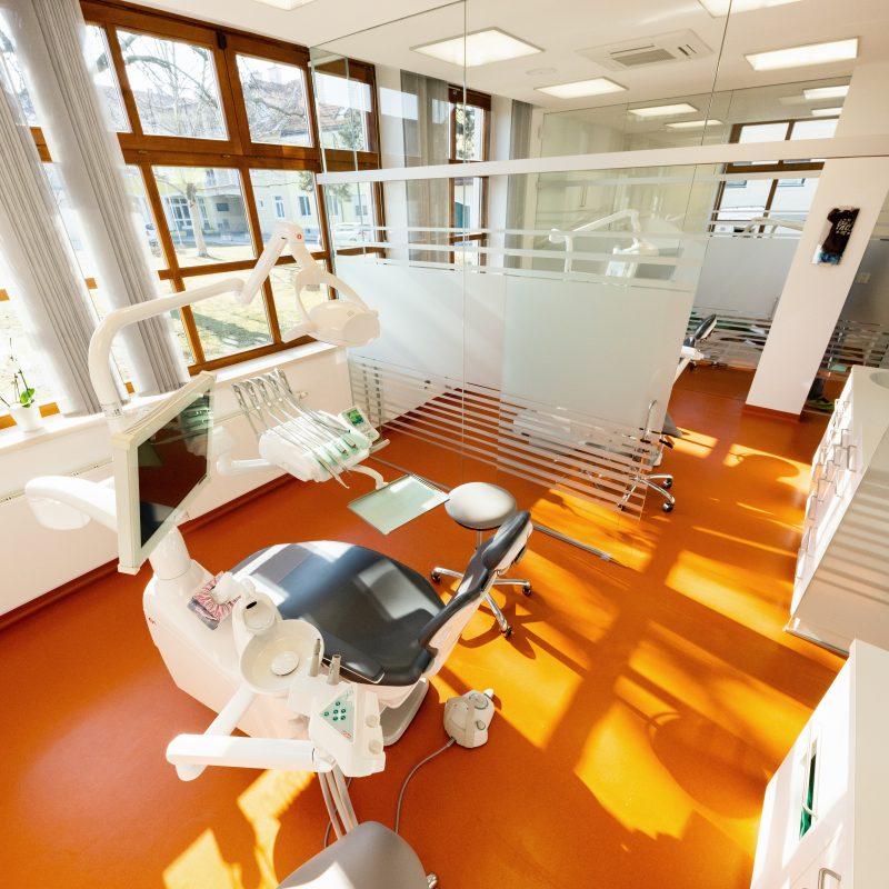 Zahnarzt Dr. Ranak 2454 Trautmannsdorf: Zahnbehandlung Behandlungsraum